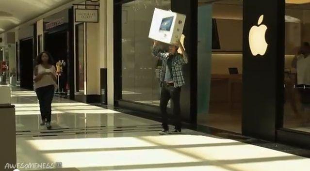 Humour: comment choquer des gens avec un iMac