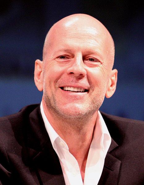 Bruce Willis voudrait attaquer Apple en justice ? Sa femme dément.